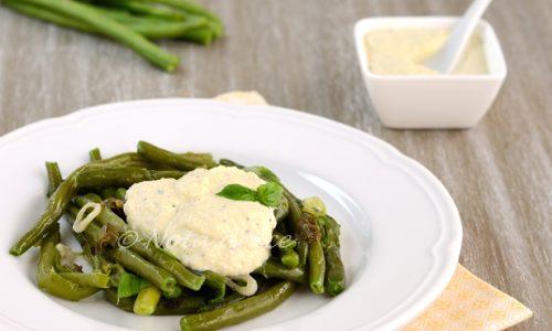 Fagiolini con capperi e Tzatziki vegan ricetta facile