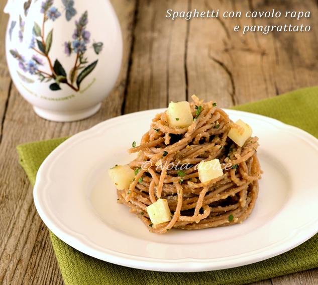 Spaghetti con cavolo rapa e pangrattato ricetta gustosa