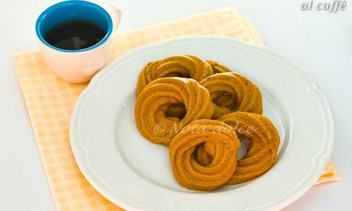 Biscotti di frolla montata al caffè ricetta dolce