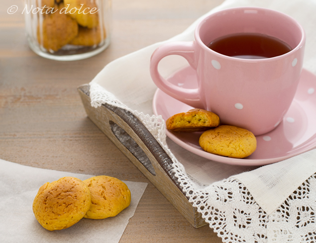 Biscotti con zucca e olio extravergine d'oliva ricetta facile