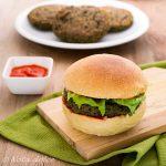 Burger di lenticchie nere e coste ricetta gustosa