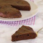 Torta al cacao e avocado ricetta dolce vegano
