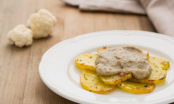 Patate con crema di cavolfiore e lenticchie ricetta facile