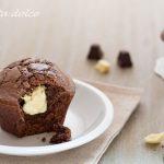 Tortino al cioccolato con cuore bianco al Baileys ricetta golosa
