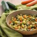 Fave in padella con verdure ricetta facile