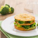 Millefoglie di ceci con broccoli e crema di avocado ricetta facile