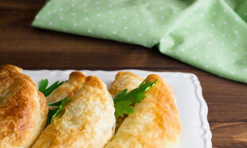 Calzoncelli di sfoglia con patate e porri ricetta gustosa