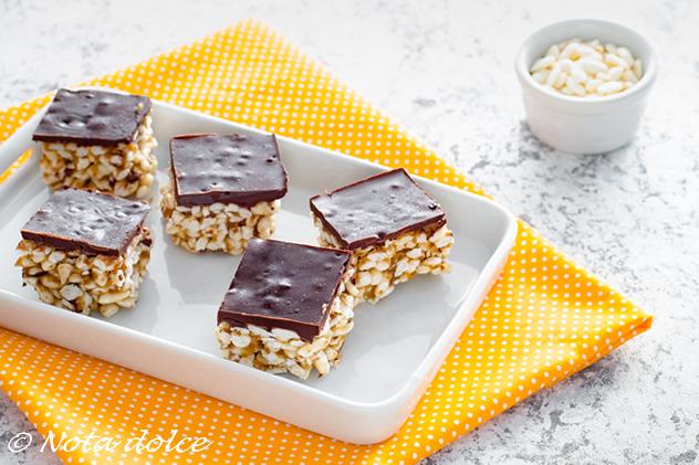 Dolcetti al riso soffiato e cioccolato ricetta senza cottura