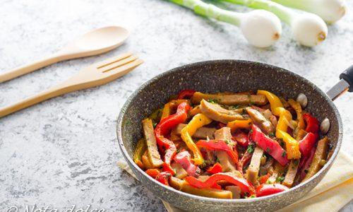 Straccetti di seitan ai peperoni ricetta facile