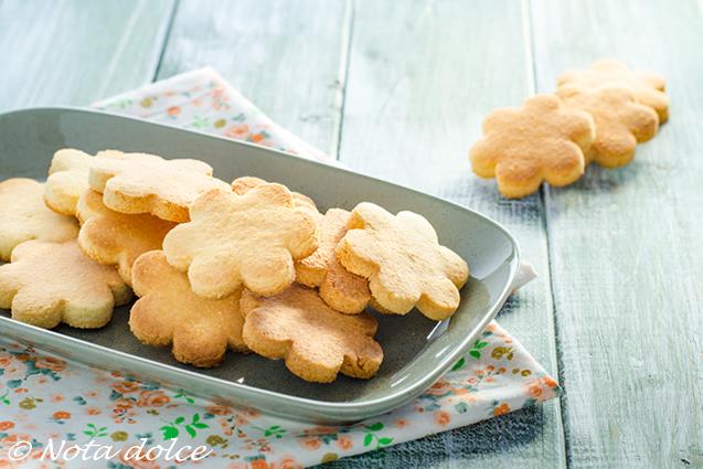Ricetta Biscotti Semplici.Biscotti Semplici Senza Glutine Ricetta Dolce Facile