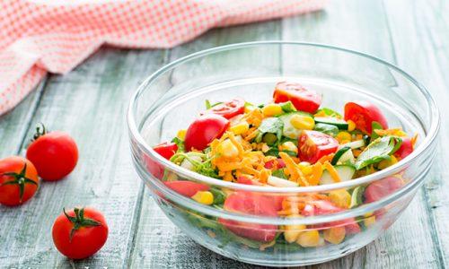 Insalata semplice con pomodorini e mais ricetta facilissima