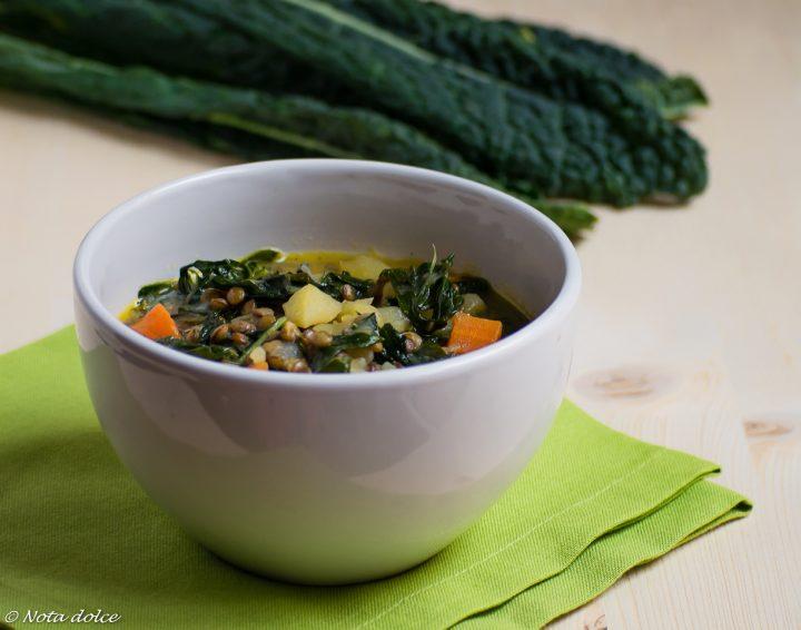 Zuppa di cavolo nero e lenticchie ricetta