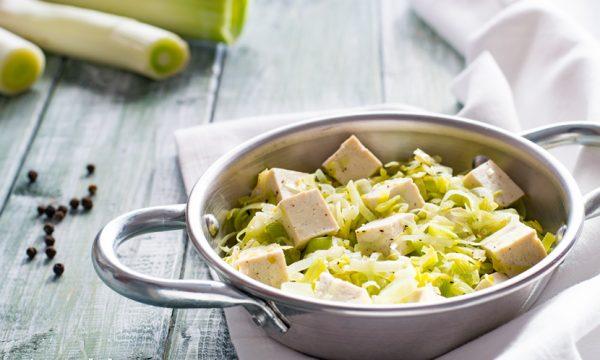 Tofu con porri al pepe ricetta facile e leggera