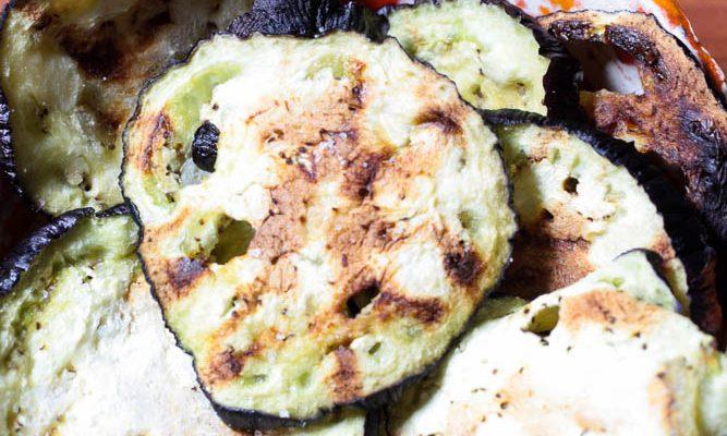 Chips di melanzana al microonde: facilissime, con poco olio e super veloci!