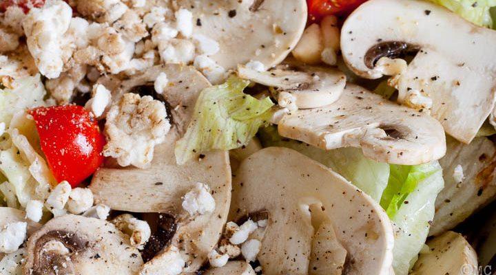 Funghi freschi in insalata
