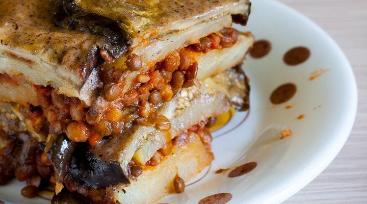 Vegan Moussaka di lenticchie con besciamella senza glutine