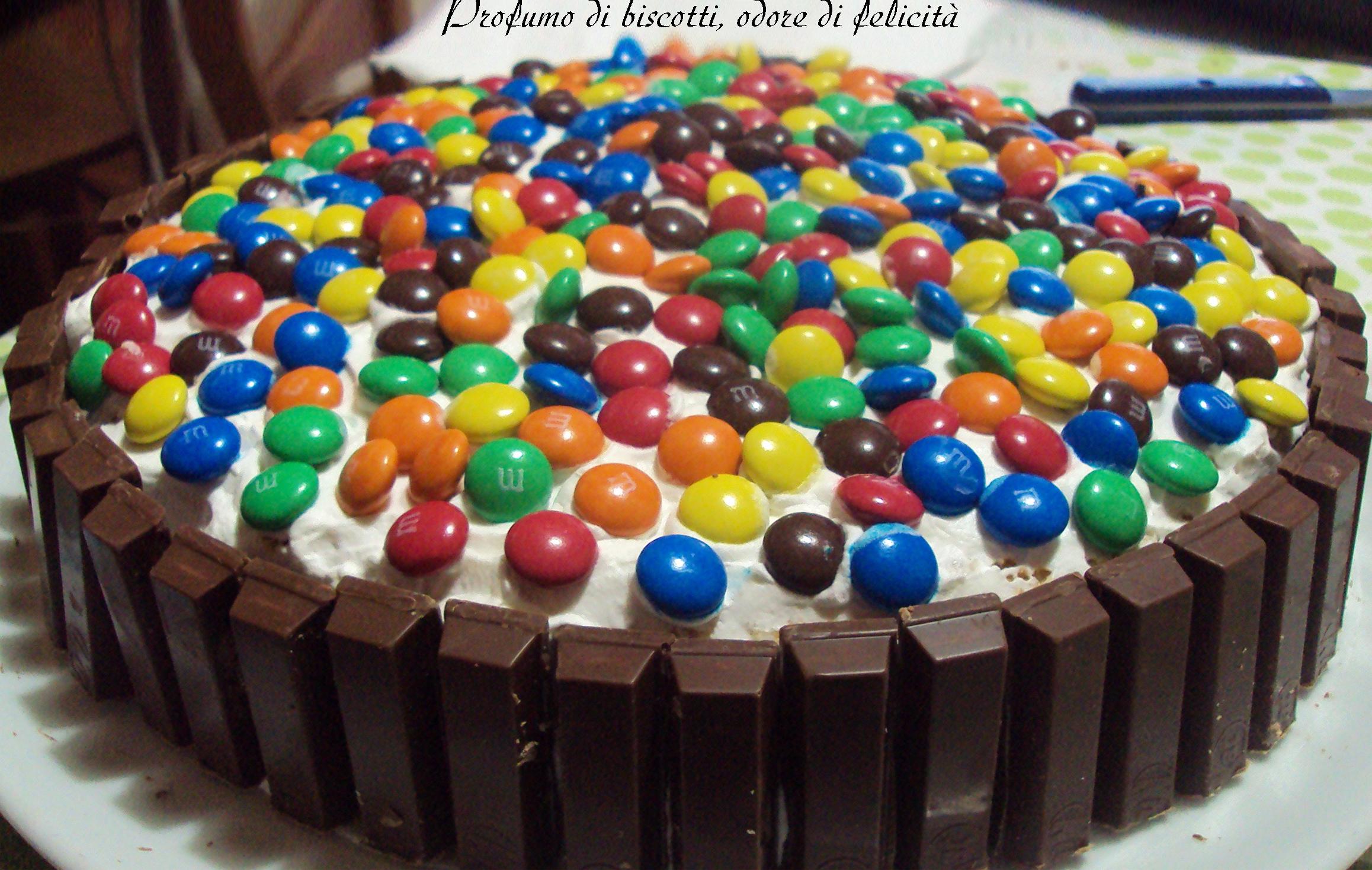 Torta Smarties E Kitkat Profumo Di Biscotti Odore Di Felicità