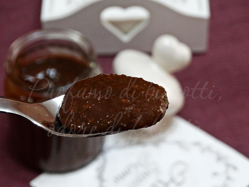 crema spalmabile cioccolato e noci