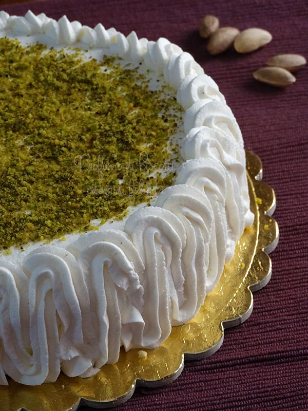 torta farcita alla ricotta e pistacchi