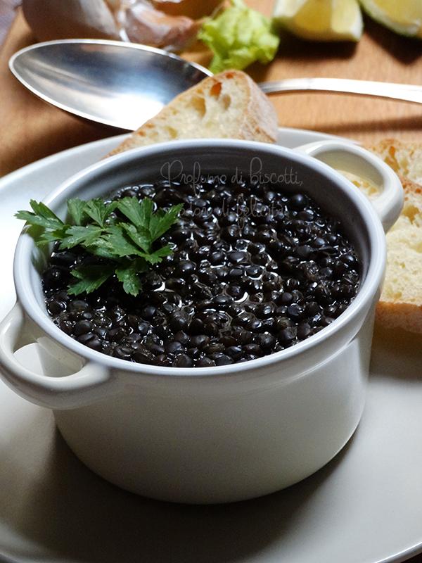 zuppa di lenticchie nere