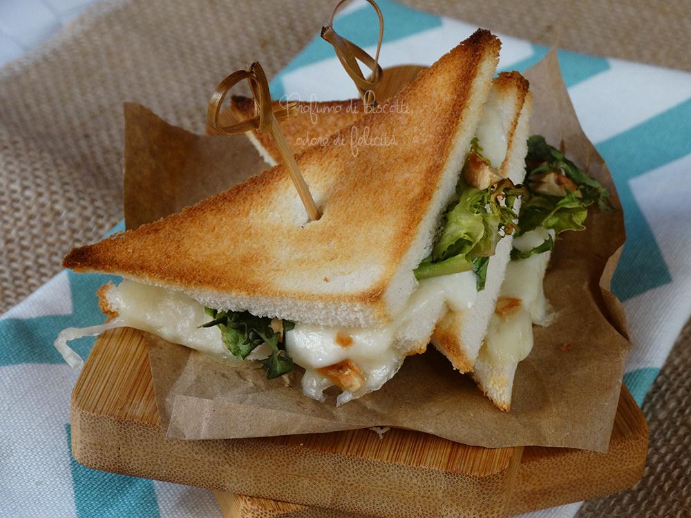 sandwich alla mozzarella