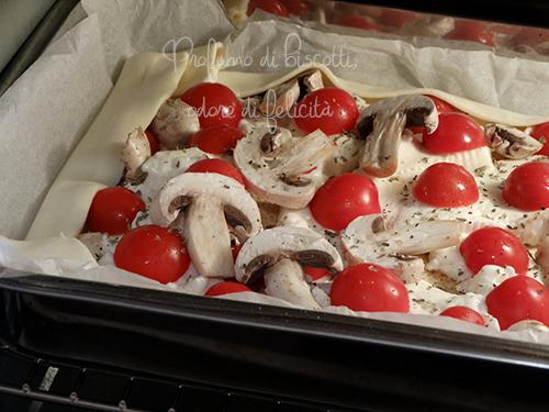 torta salata con crescenza e pomodorini