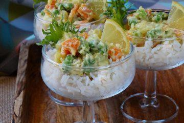 insalata di riso russa al bicchiere