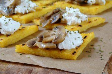 polenta grigliata ai funghi e ricotta