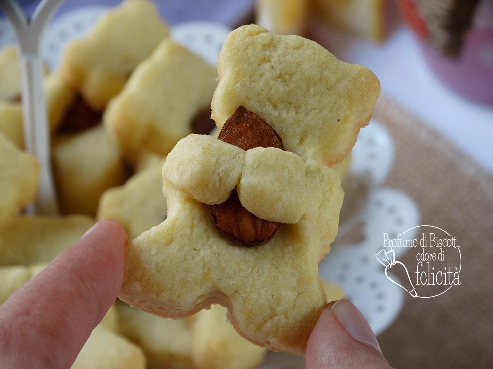 biscotti orsetto con mandorle e agrumi
