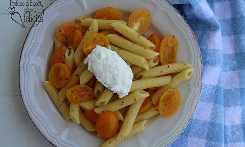 Pasta ai pomodorini gialli