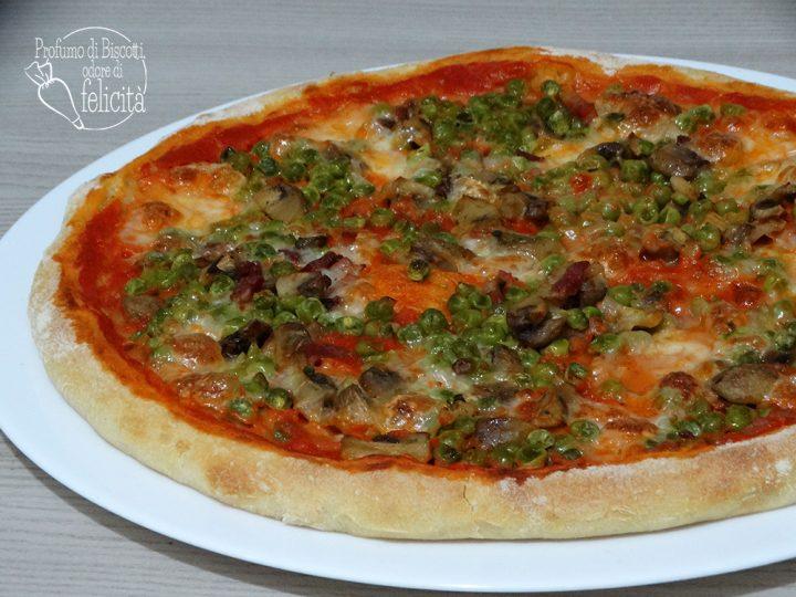 Pizza con piselli e funghi