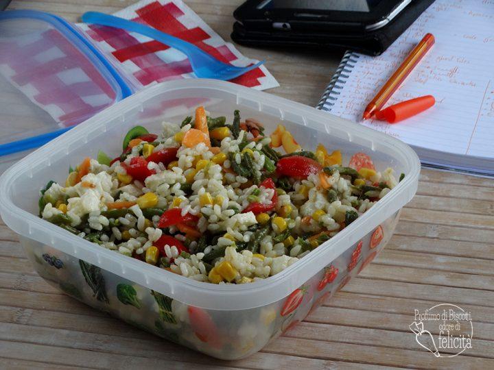 insalata di riso con mais e fagiolini