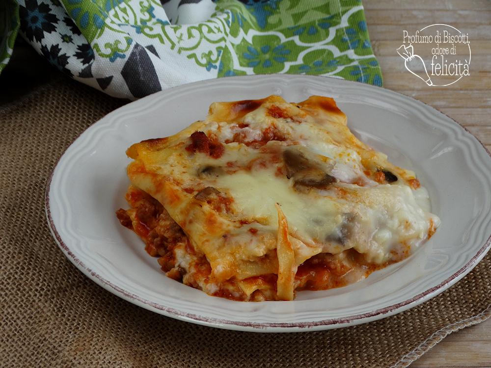 lasagne al ragù di salsiccia e funghi