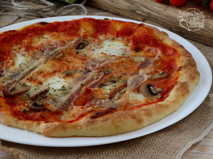 pizza funghi e pancetta fatta in casa