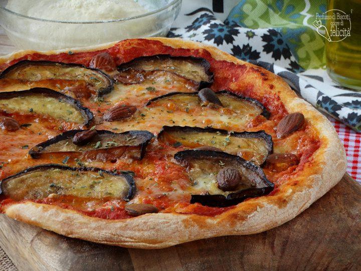pizza melanzane e mandorle