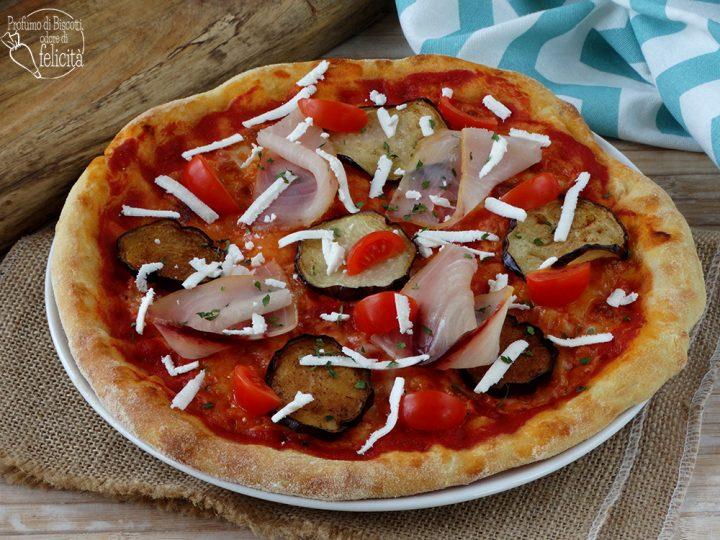 pizza con pesce spada e melanzane con ricotta salata