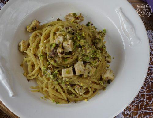 Spaghetti spada e pistacchio