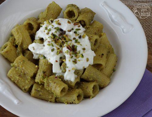 Pasta pistacchio e stracciatella