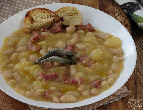 Zuppa di fagioli e patate con salame