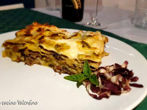 Lasagne con radicchio, speck e pesto genovese