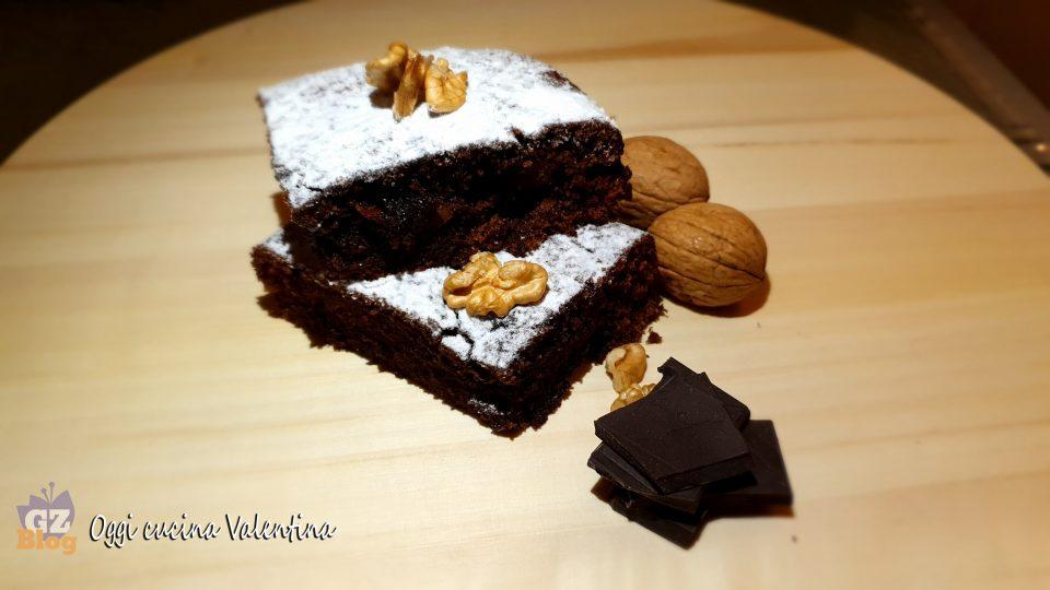 Torta nuvola al cioccolato e noci