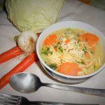 Noodles in brodo