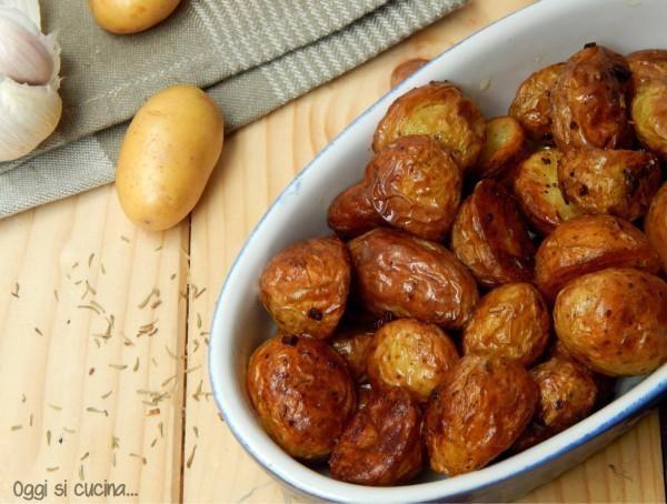 patate novelle all'aglio e spezie