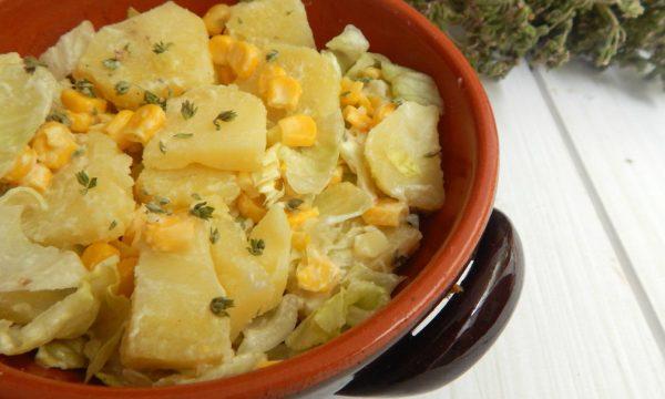 Insalata di patate con mais e lattuga-ricetta fredda