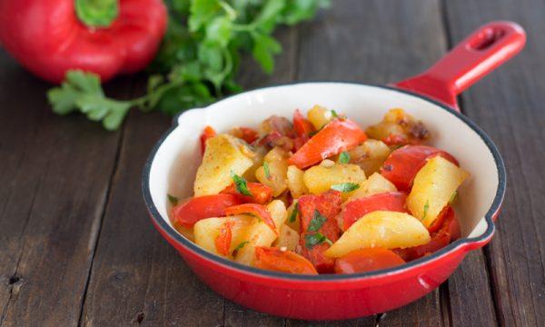 Contorno di patate e peperoni