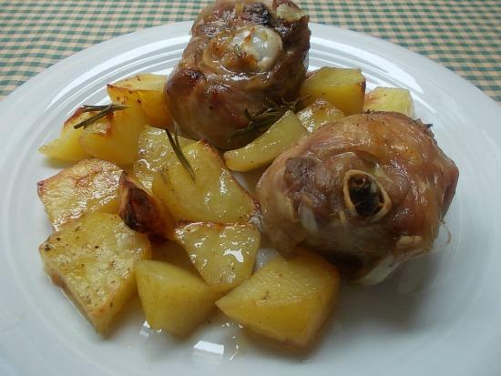 Ossobuco di tacchino al forno con patate ricetta economica for Cucinare ossobuco