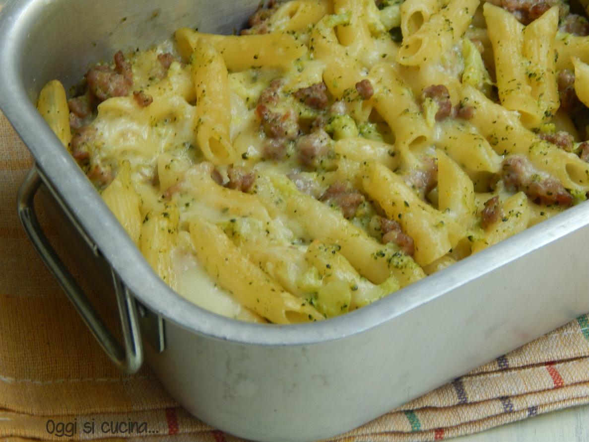 Pennette al forno con broccoletti e salsiccia - Secondi piatti da cucinare in anticipo ...