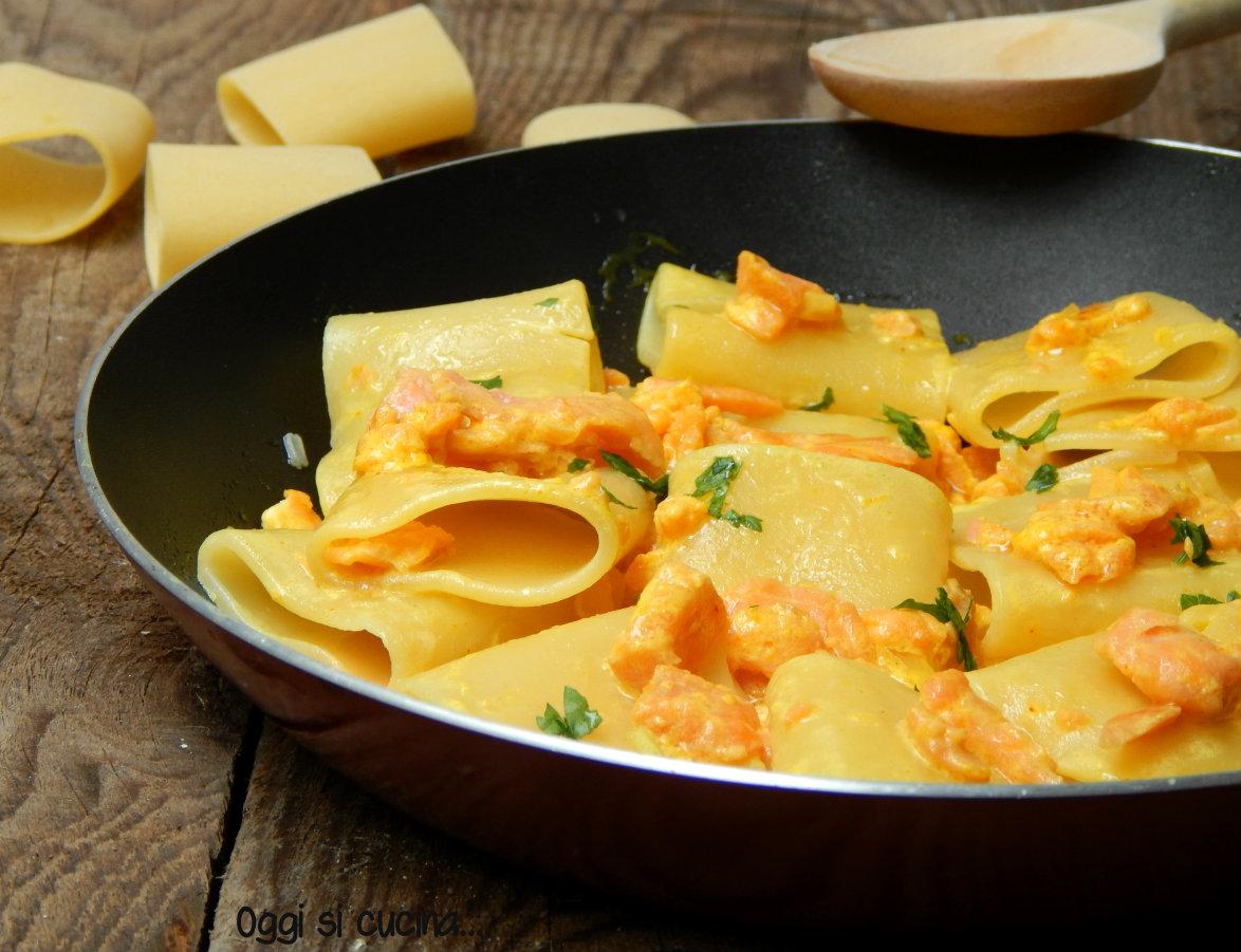Paccheri al salmone e crema allo zafferano oggi si cucina for Primi piatti ricette bimby