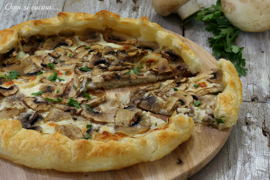 Ricetta torta salata con champignon