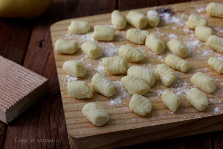 Ricetta Gnocchi Senza Uova Per 2 Persone.Gnocchi Di Patate Senza Uova Oggi Si Cucina